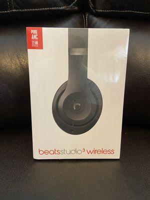Beats studio3 wireless headphones 22 hr for Sale in Atlanta, GA