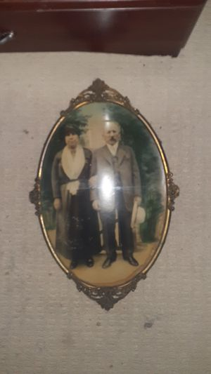 Antique Guarenteed Gold Plated Oval Bubble Glass Frame With Rare Antique Photo of Married Couple for Sale in Philadelphia, PA