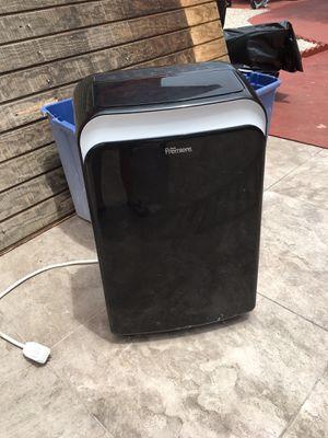 Danby premiere air conditioner for Sale in Hialeah, FL