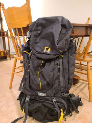 Mountain Smith Apex 100 Hiking Backpack for Sale in West Valley City, UT