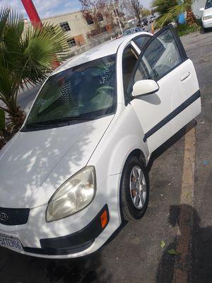 $1,200 Kia Rio need minor tune-up for Sale in Alta Loma, CA