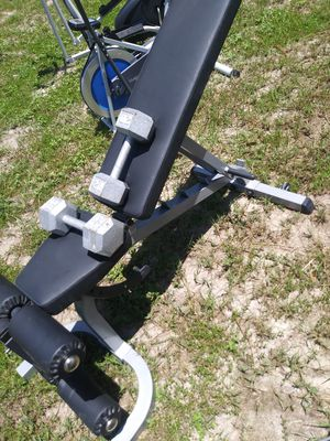 Body solid incline bench w/dumbells for Sale in Tampa, FL