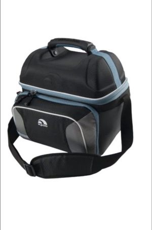 Igloo MaxCold Hardtop Gripper Cooler for Sale in New York, NY