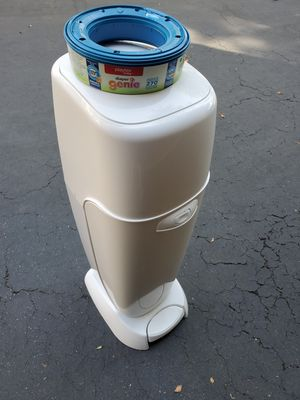 Playtex Genie Diaper Pail with 1 refill for Sale in Los Angeles, CA