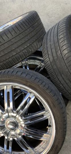 """Set Of 4 Chrome 20"""" Wheels 5x114.3 With Tires for Sale in Colma,  CA"""