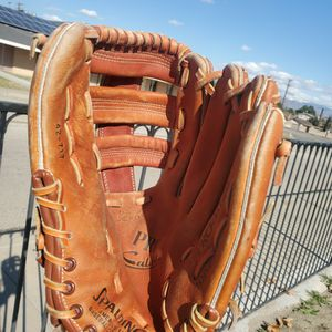 "Baseball glove , leather, adult 11"" for Sale in Moreno Valley, CA"