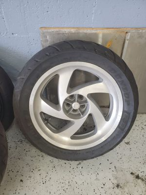 Honda Goldwing tire for Sale in Hollywood, FL