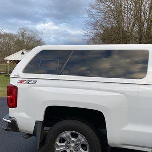 2018 Chevy Truck Cap for Sale in Sprague, CT