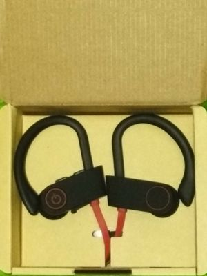 Wireless headphones for Sale in St. Louis, MO