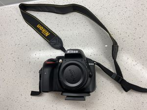 Nikon D3400 with 3 lens and accessories! for Sale in Naples, FL