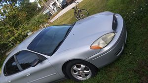 Taurus Ford 2004 SES good conditions with miles of 140, for Sale in Tampa, FL