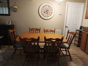 Kitchen table n chairs for Sale in Sebring, FL