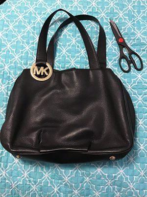 Michael kors mk gold metal black leather shoulder bag for Sale in Cambridge, MA