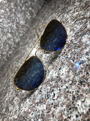 Ray ban sunglasses(AVIATORS) for Sale in Houston, TX