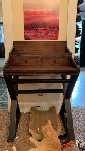 Secretary/Writer's desk for Sale in Cleveland, OH
