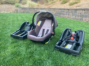 Graco car seat with two bases for Sale in Murrieta, CA