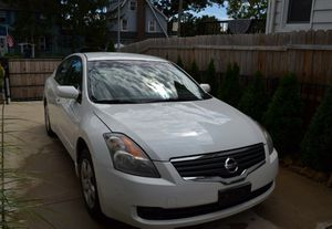 2008 Nissan Altima runs great/Good condition for Sale in Columbus, OH