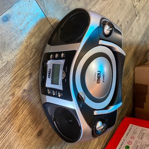 CD /MP3 Player With Text Display AM/FM STEREO USB Input& SD /MMC Card Slot for Sale in Monterey Park, CA
