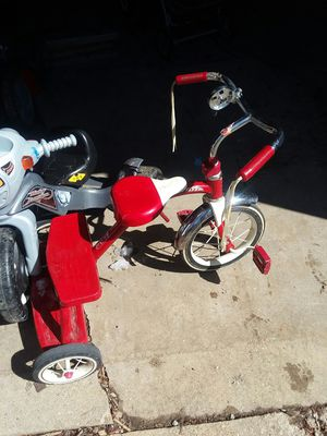 Radio Flyer Tricycle for Sale in Peoria, IL