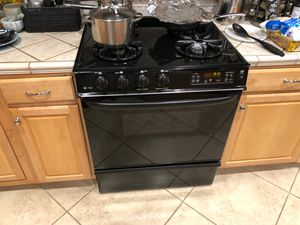 GE profile gas stove & microwave All Black for Sale in Pittsburg, CA