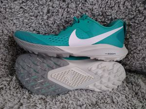 Women's nike trail kiger hiking shoes sz 10 shipping only no pickup for Sale in Apalachicola, FL