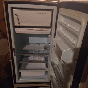 General Electric Refrigerator for Sale in Derby, KS