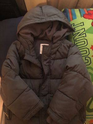 Grey coat size 4T for Sale in Camp Springs, MD