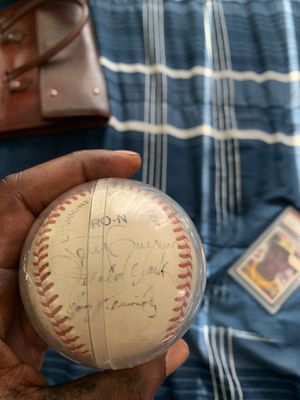 Signed baseball by tony Gwynn and his rookie card for Sale in Lemon Grove, CA