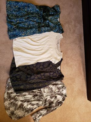 Liz Lange maternity tops, xs/small for Sale in Avon, OH