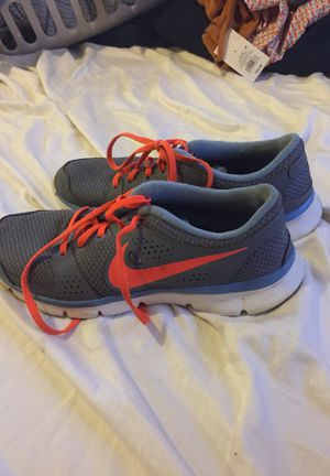 Nike women's running shoes (8.5) for Sale in Winter Haven, FL