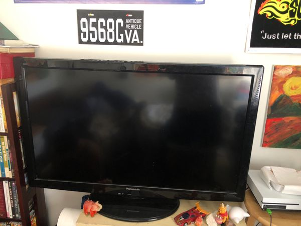 Panasonic flatscreen 42inch works perfect good colors