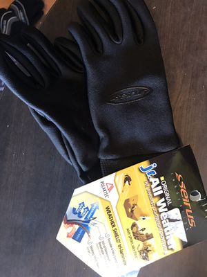 Serius junior all weather glove for outdoor sports-new for Sale in Gilbert, AZ