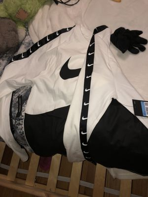 Nike Special Edition Long Sleeve Shirt for Sale in North Bergen, NJ