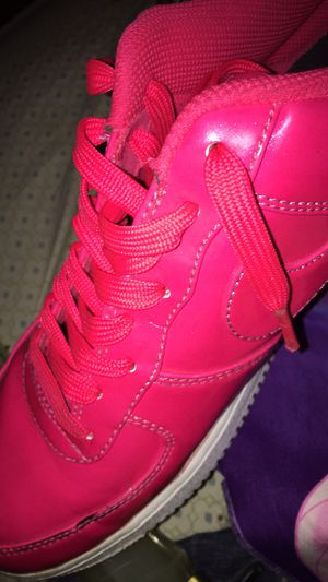 hot pink air force one (size 9.5) for Sale in Hampton, VA