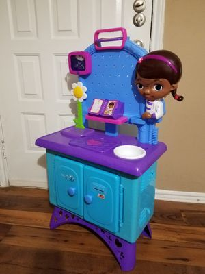 Disney Doc Mcstuffins Pet Vet Checkup Center for Sale in Dallas, TX