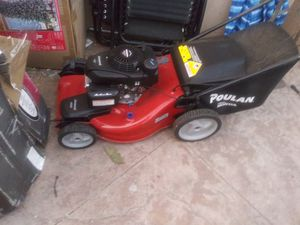 Lawn mower all-wheel drive powered by Honda motor $200 very good condition for Sale in Los Angeles, CA