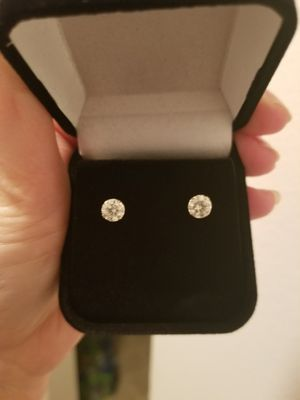 New 1.75 moissanite diamonds stud earrings solid 14k yellow gold! for Sale in Bloomfield Hills, MI
