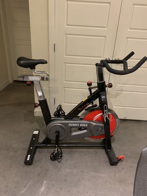 Sunny Health and Fitness Spin Bike for Sale in Fort Worth, TX