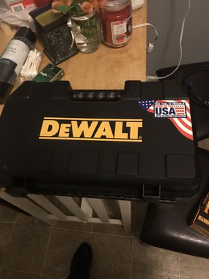 Dewalt brushless cordless driver/drill set for Sale in Lancaster, PA