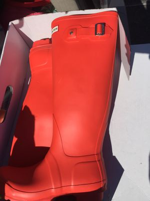 New Tall HUNTER Rain Boots, Sz 8 for Sale in Los Angeles, CA