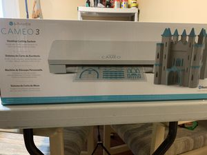 Silhouette Cameo 3 with Accessories for Sale in Sevierville, TN