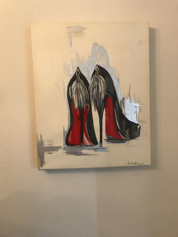 Red bottom picture frames