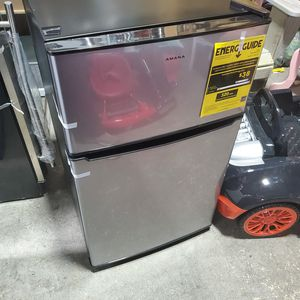 Amana 3.1 cu. ft. Mini Fridge with Dual Door True Freezer in stainless for Sale in Columbus, OH