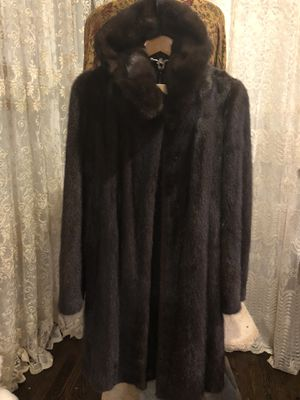 Mink coat belka from Russia. Size M/L. for Sale in Chicago, IL