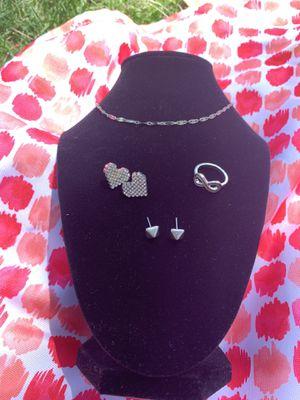 Silver heart earrings set for Sale in Anaheim, CA