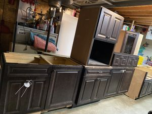 Kitchen cabinets for Sale in Commerce, CA