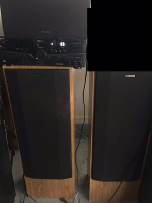 Fisher surround sound receiver and matching 3 speakers. for Sale in Crestview, FL