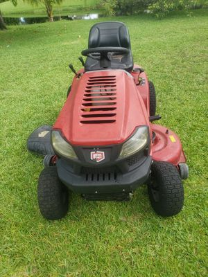 Craftsman riding mower for Sale in Miramar, FL