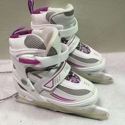 Lake Placid girls adjustable ice skates sizes 1-4 - worn once for Sale in Cicero,  IL