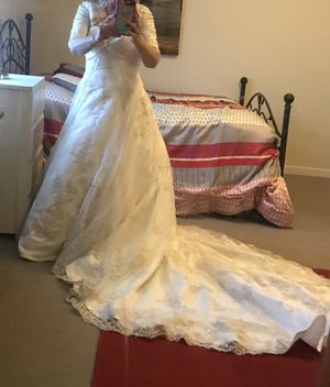 Wedding dress for Sale in Molalla, OR